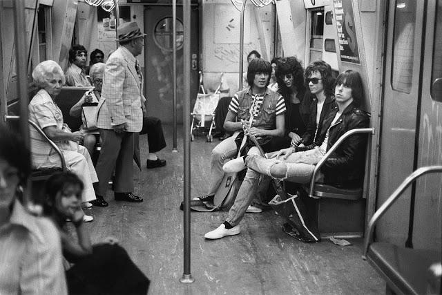 Ramones, 1975
