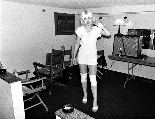 Дебби Харри, 1977