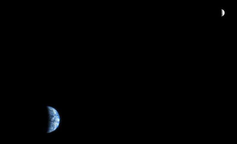 Как выглядит Земля и Луна с орбиты Марса. Изображение NASA