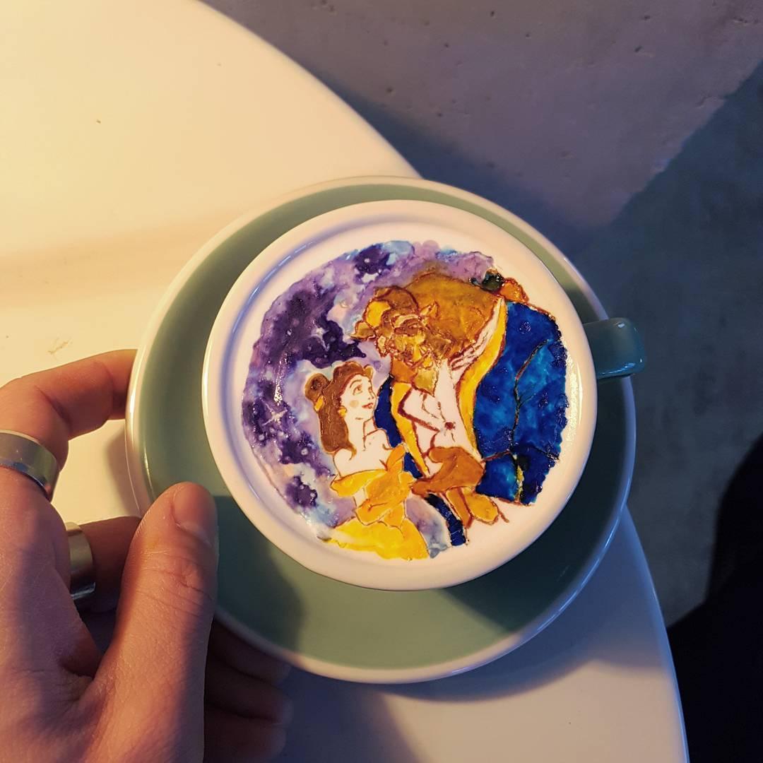Произведение искусства на кофе