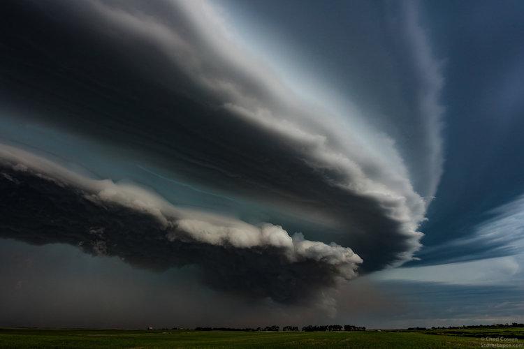 Начинается буря