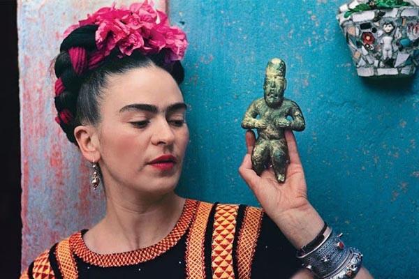Цветные фотографии великолепной Фриды Кало в исполнении Николаса Мюрея