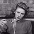 Как изящно употреблять спагетти: пособие для леди 1940-х годов