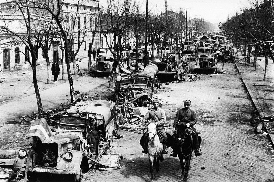 Брошенная фашистами техника, 1944 год