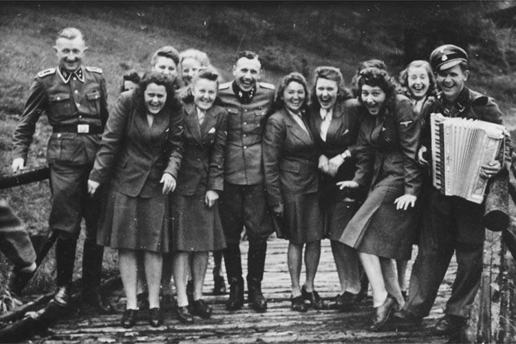 Персонал лагеря смерти Освенцим (Аушвиц), 1942 год