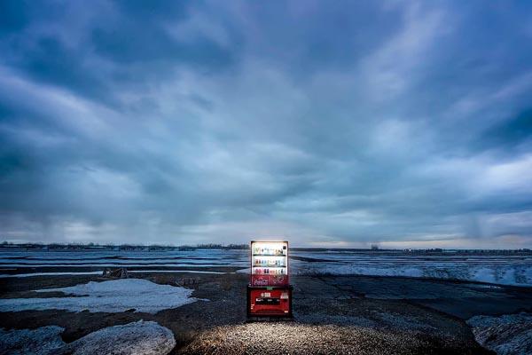 Время сиять: торговые автоматы Японии в фотографиях Эйджи Охаши