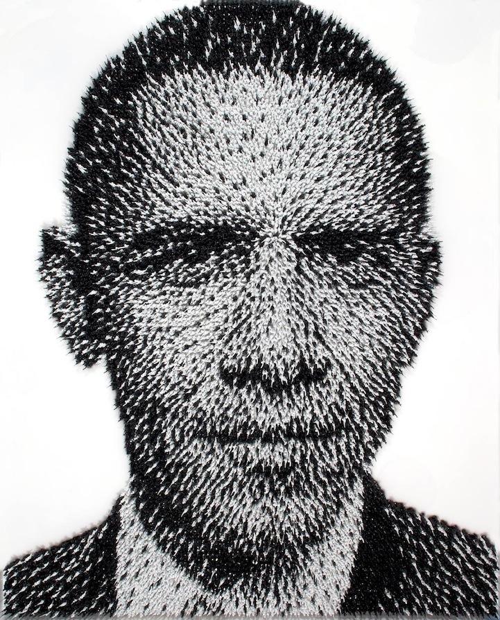 Портрет Барака Обамы из тысяч чёрно-белых солдатиков. Автор Джо Блэк