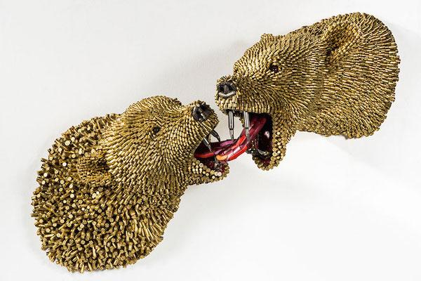 Скульптуры из гильз. Автор Федерико Урибе