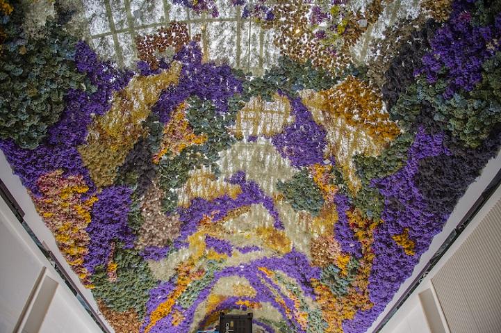Инсталляция из 150 тысяч живых цветов. Автор Ребекка Луиз Лоу