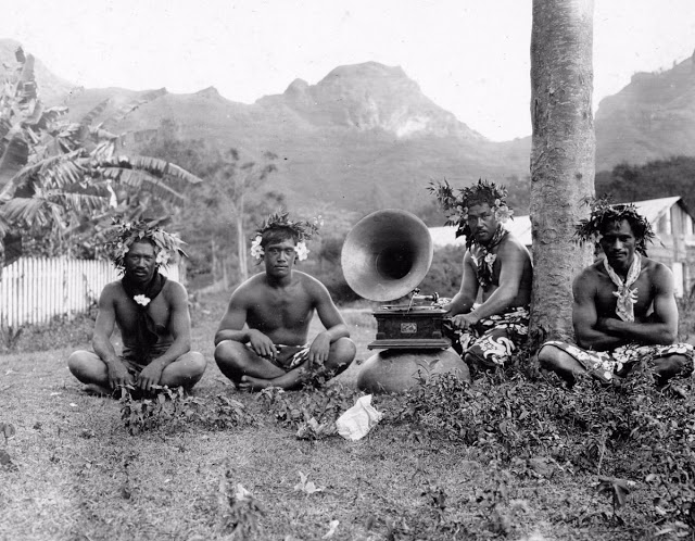 Жители острова Нуку-Хива, расположенного в группе Маркизских островов,1907 год