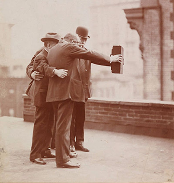 Групповое селфи в Нью-Йорке, 1920-е года