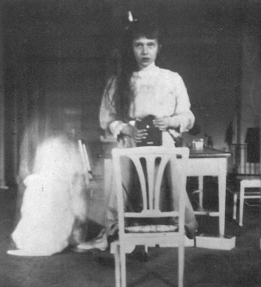 Великая княжна Анастасия Николаевна в возрасте 13 лет, 1914 год