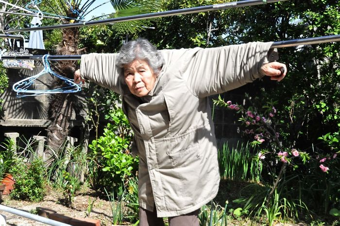 Забавные сюжеты в снимках 89-летней бабушки-фотографа