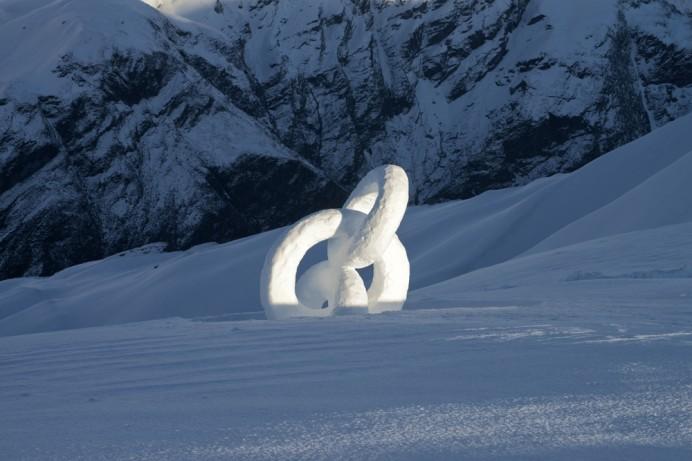 Эфемерные скульптуры, обращающие внимание на хрупкость природы