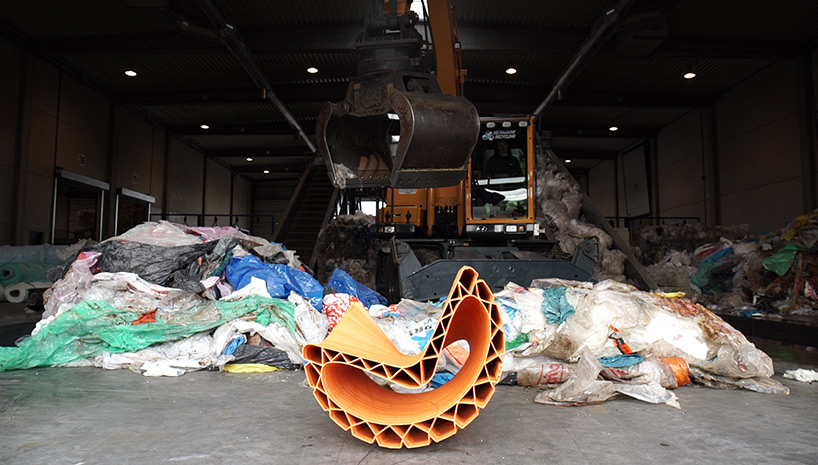 Уникальная городская мебель из пластиковых отходов