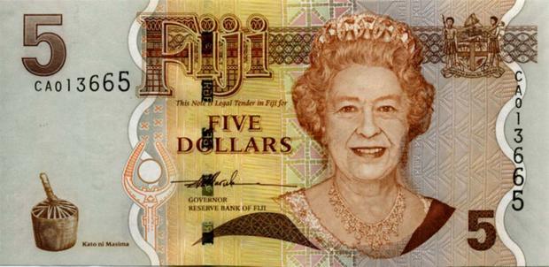5 долларов Фиджи, возраст 73 года