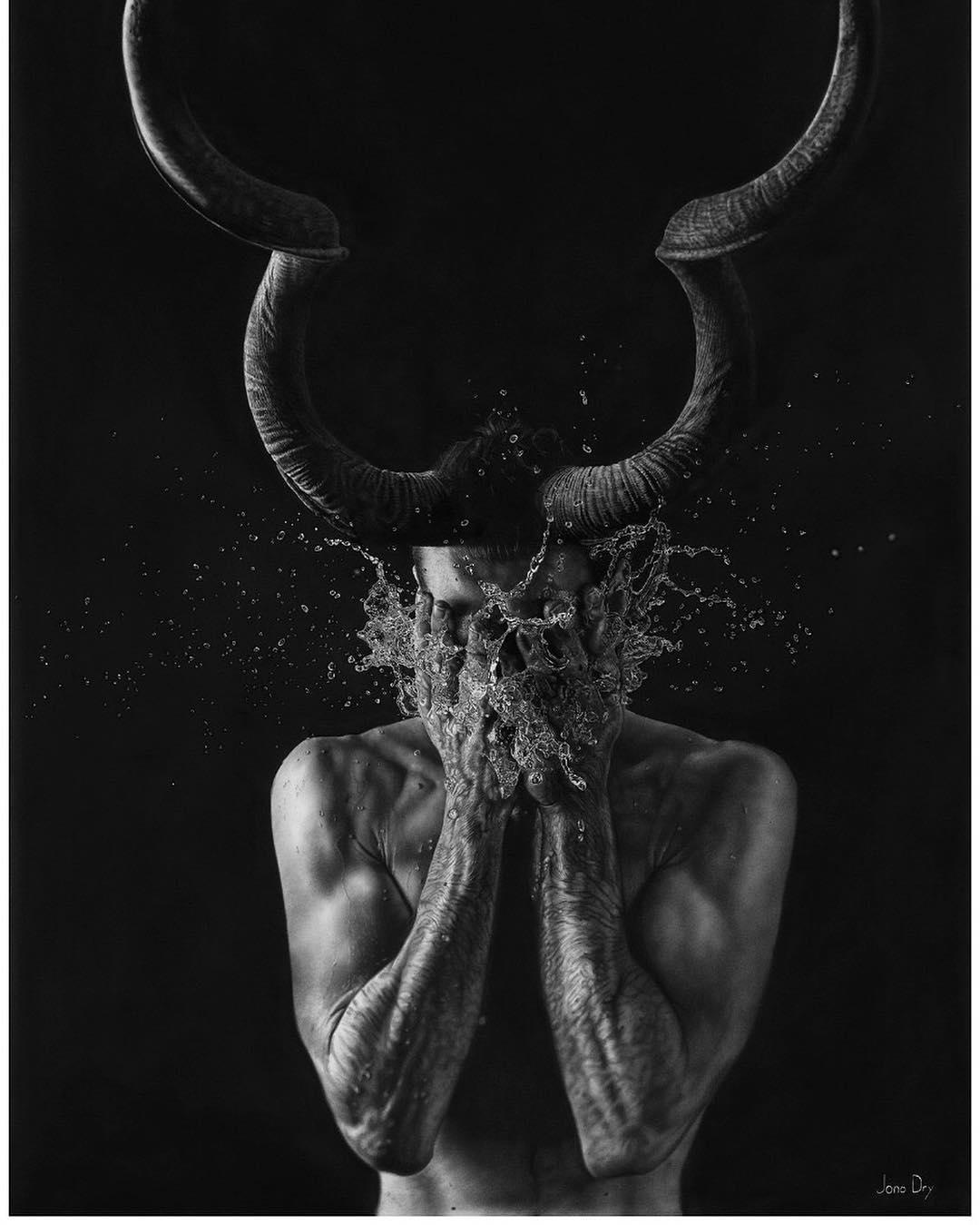Фотореализм и сюрреализм в картинах Джоно Драйя