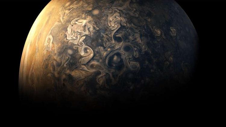Новые снимки Юпитера с межпланетной станции «Юнона»