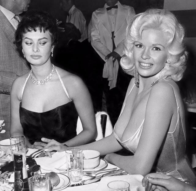 Знаменитый снимок с Софи Лорен и Джейн Мэнсфилд