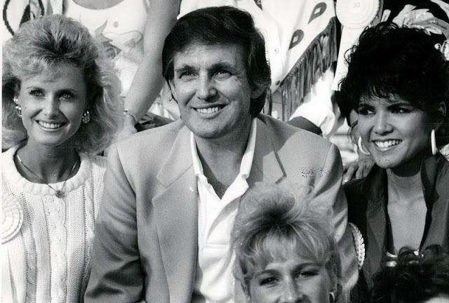 Трамп с участницами конкурса «Мисс Америка», Атлантик-Сити, 1989 год