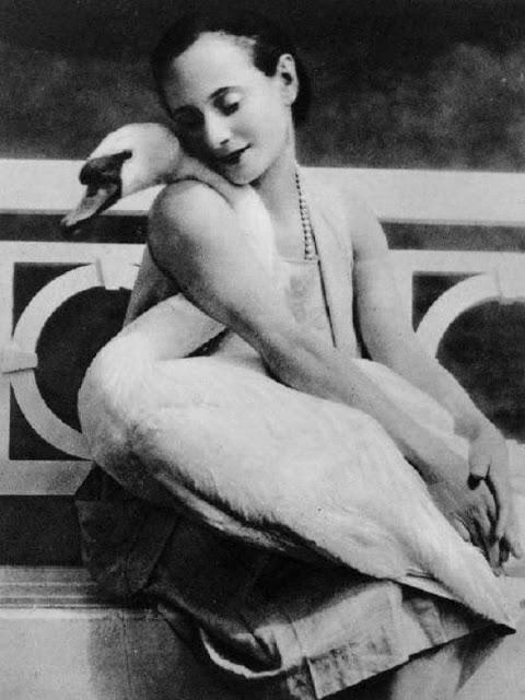 Легендарная балерина Анна Павлова и её любимый лебедь Джек