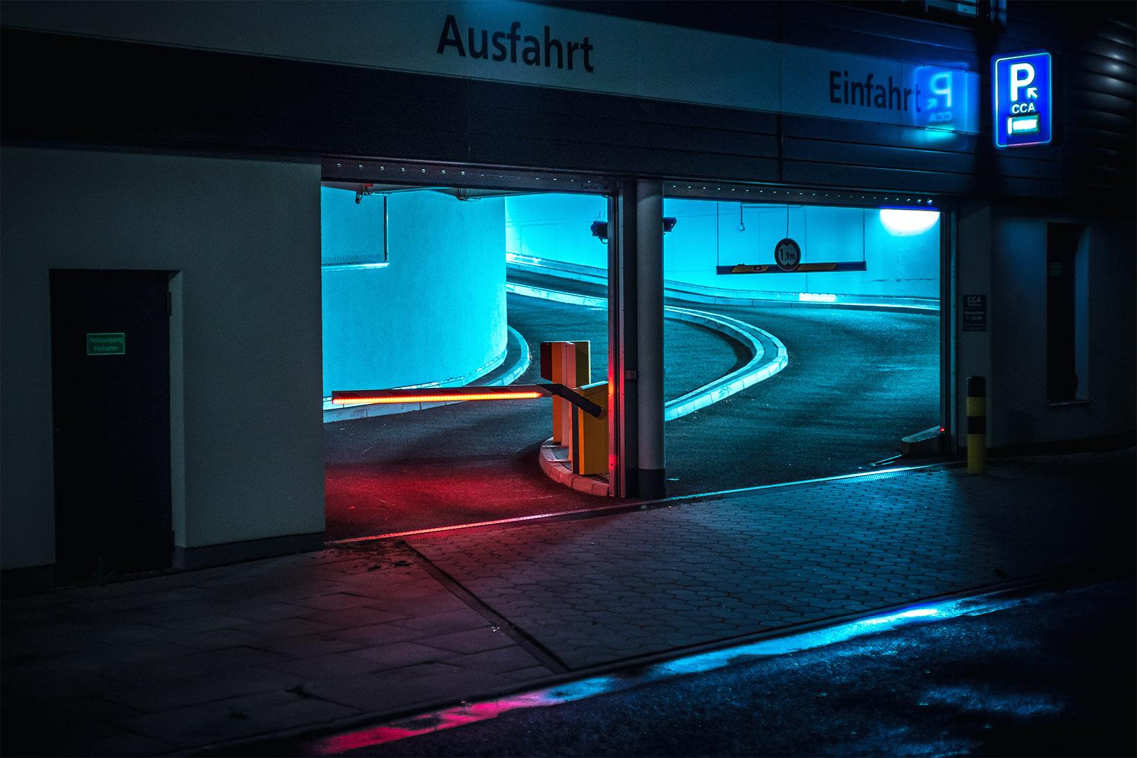 Красота в обыденном: ночной Гамбург в фотографиях Марка Бройера