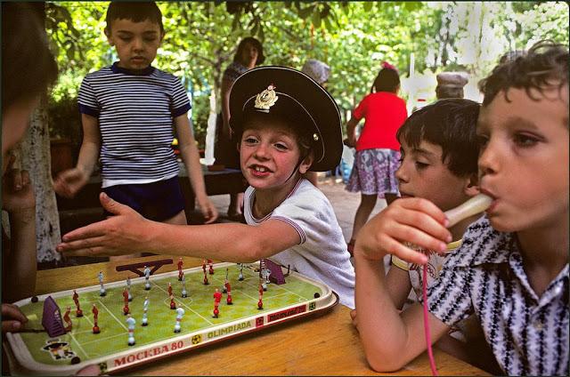 Настольный футбол в детском саду