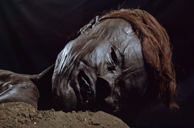 Мумия «Человека из Гроболла» в музее Орхуса, Дания