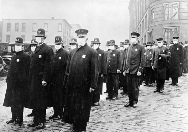 Полицейские в масках в Сиэтле, США