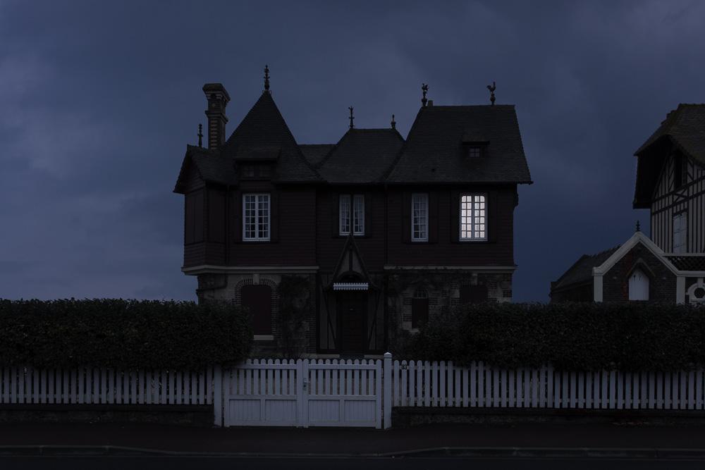 Меланхоличные проблески света в фотопроекте Жульена Маува