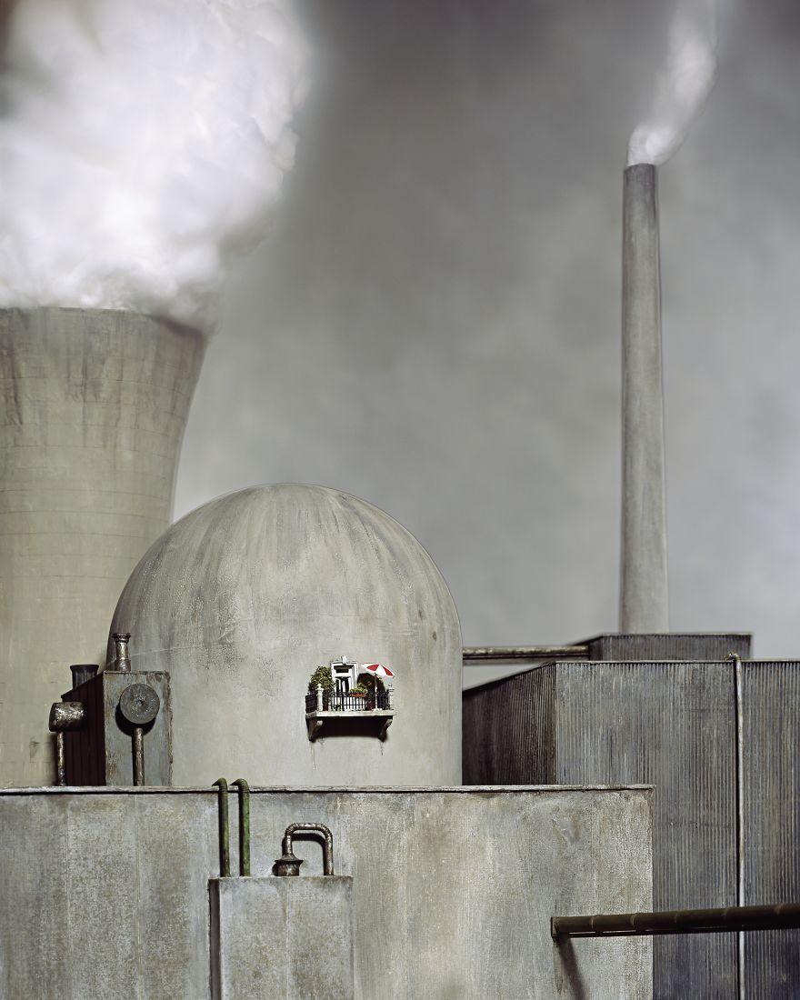 Сатира и абсурд в миниатюрных мирах Франка Кунерта