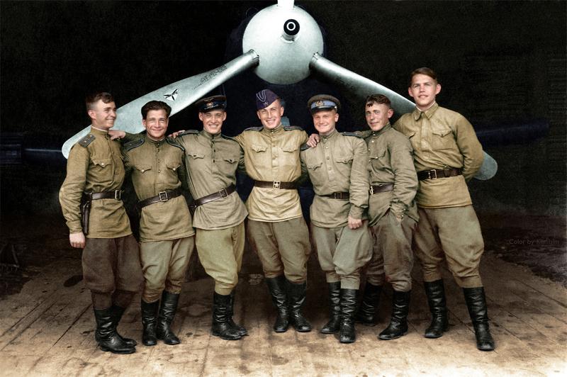 Лётчики 102-го гвардейского истребительного авиаполка, 1943 год