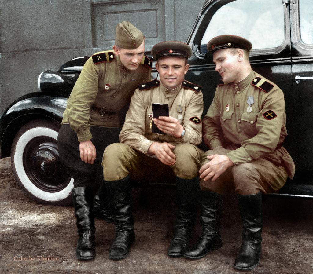 Советские противотанковые артиллеристы