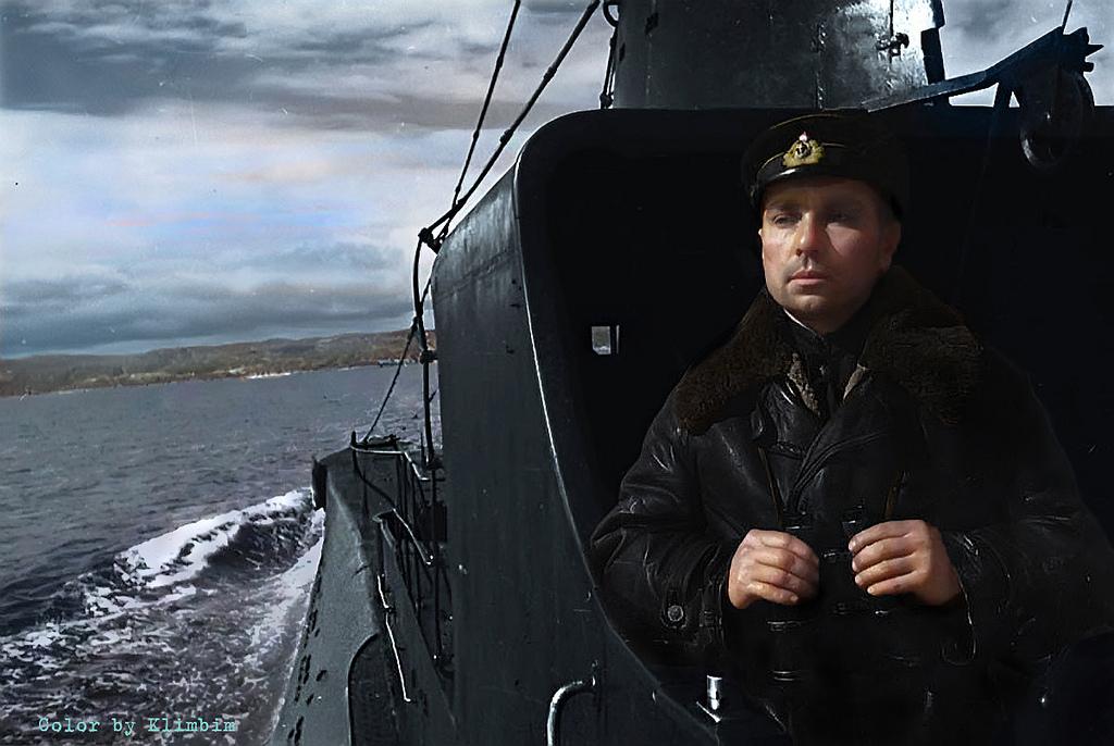 Герой Советского Союза капитан 2 ранга Николай Александрович Лунин, 1942 год