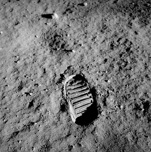 След ботинка на Луне, оставленный американским астронавтом
