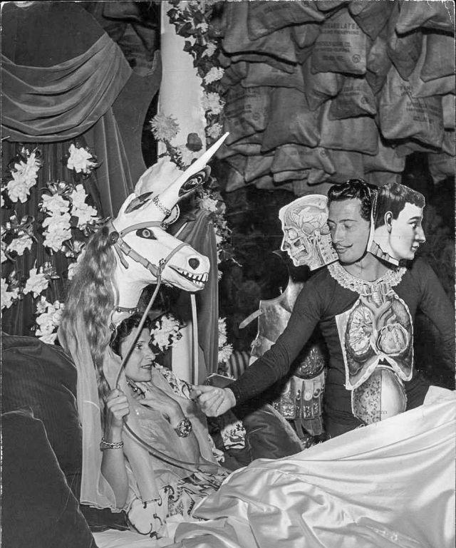 Гала: старинные фотографии обожаемой музы Сальвадора Дали