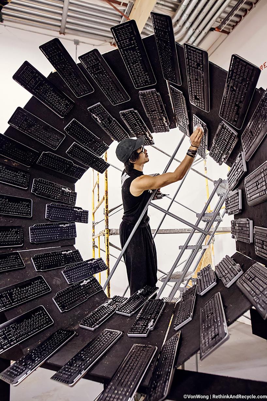 Тонны утилизированной техники в проекте о проблеме электронных отходов