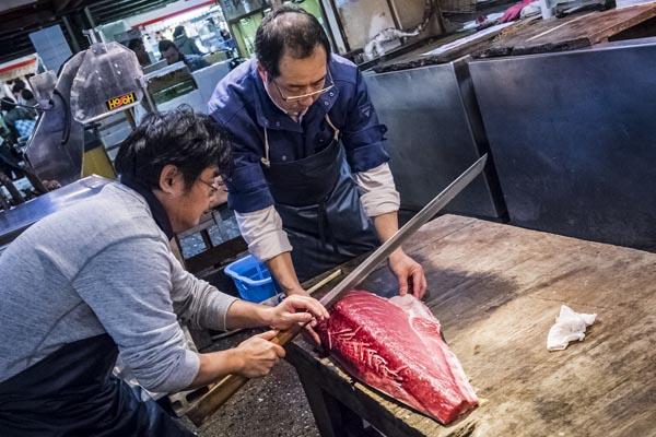 Цукидзи — крупнейший рыбный рынок в мире