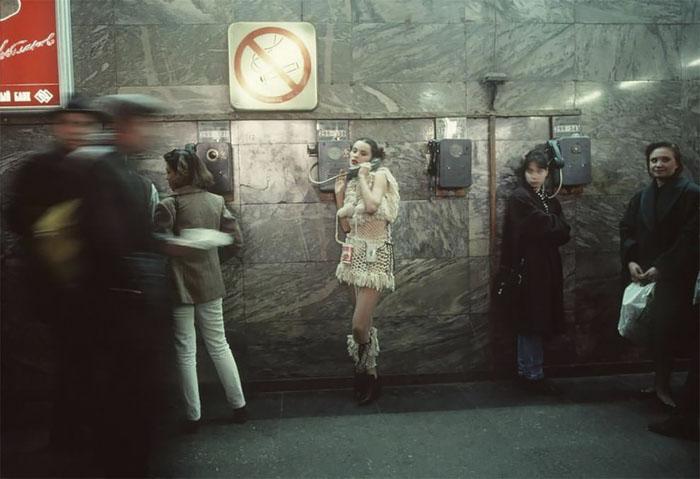 90-е: суровая реальность России в уникальных фотографиях Лиз Сарфати