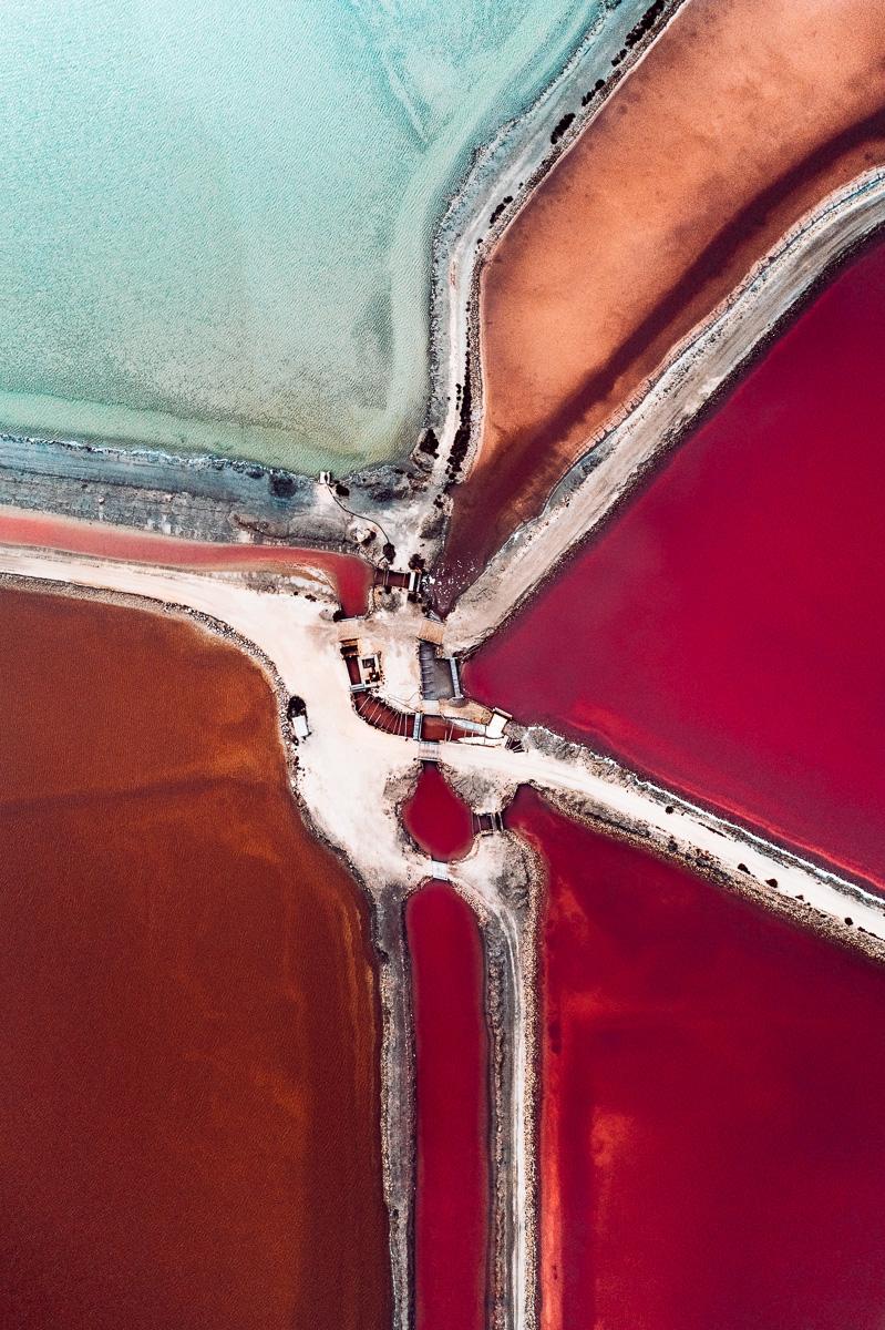 Производство морской соли в аэрофотографиях Тома Хегена