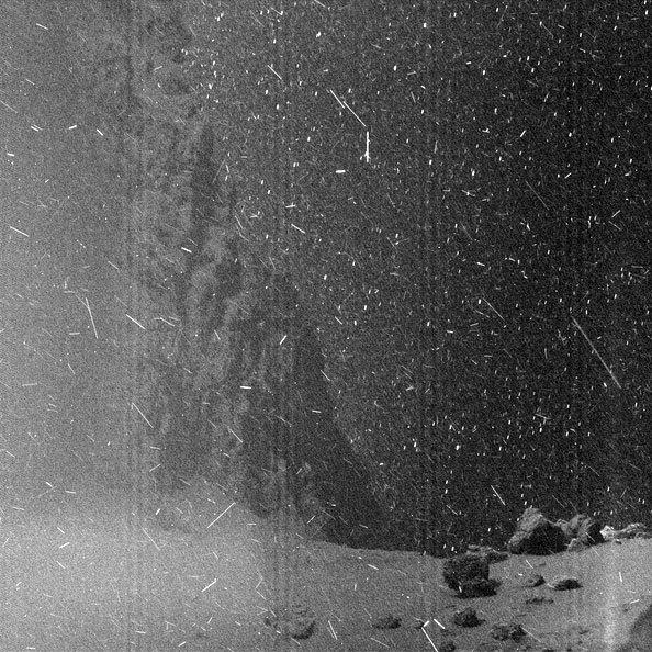 Уникальные изображения с поверхности кометы Чурюмова-Герасименко