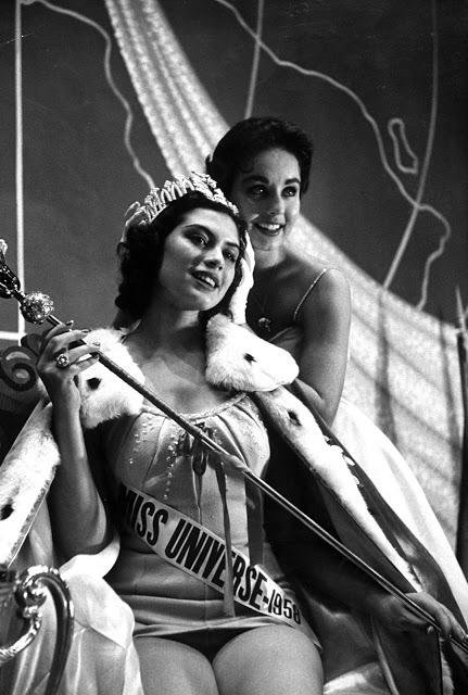 Мисс Колумбия Лус Марина Сулуага, победительница конкурса «Мисс Вселенная» 1958 года