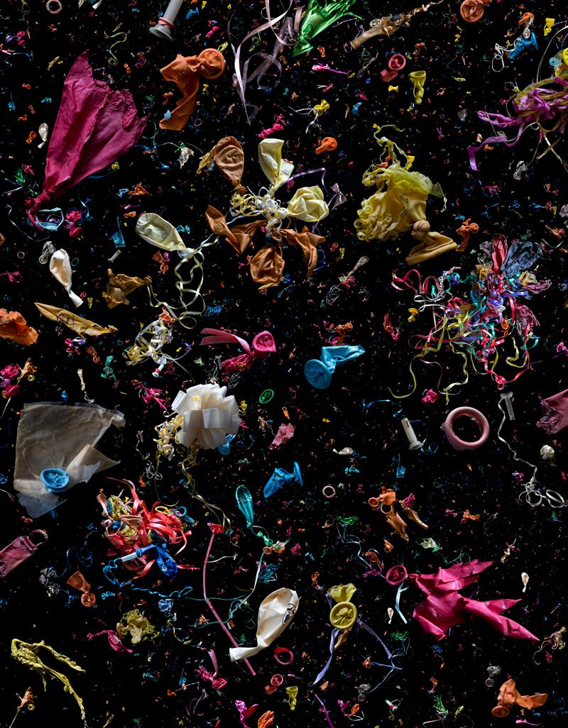 Остатки воздушных шаров, собранных со всего мира