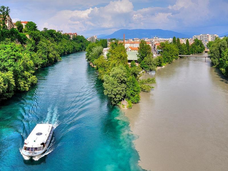 Слияние рек Рона и Арв в Женеве, Швейцария