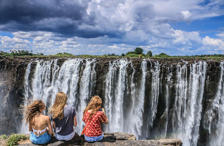 Победитель в категории«люди и природа» конкурса «Охрана природы 2018». ФотографHarry Randell, Зимбабве