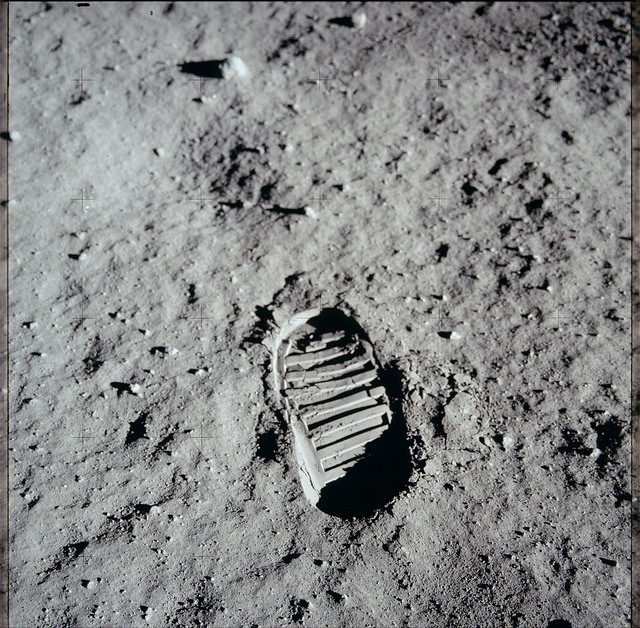 След на Луне, оставленный астронавтом Аполлон-11, 1969 год