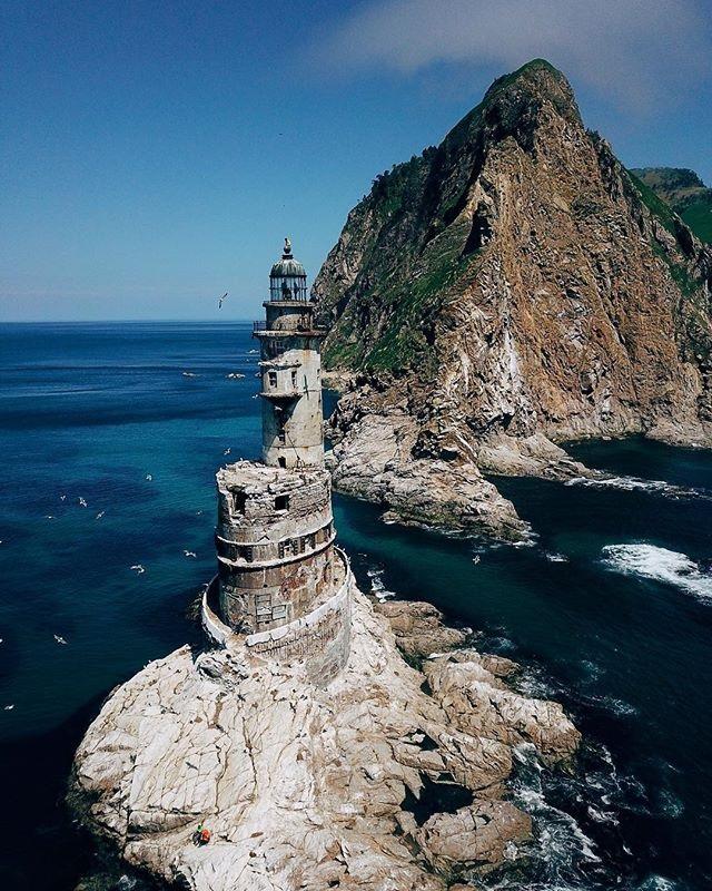 Заброшенный атомный маяк Анива, остров Сахалин