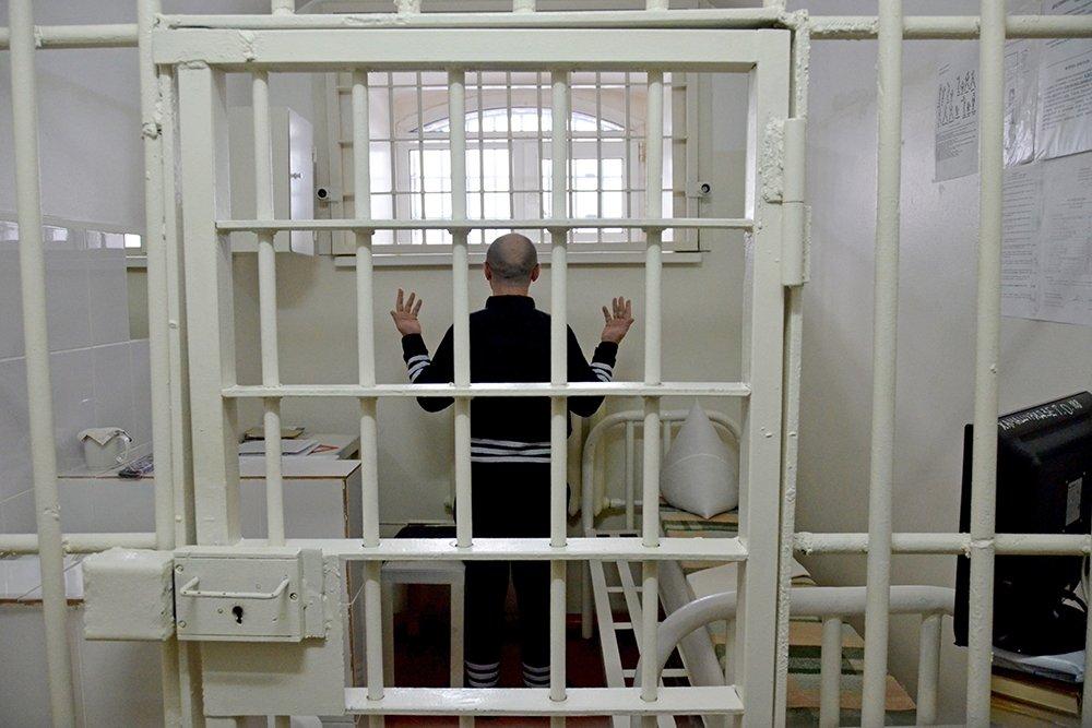 Тюрьма для пожизненно осуждённых «Чёрный дельфин» в Соль-Илецке, Россия