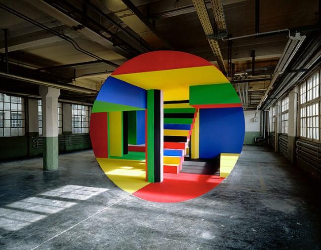Обман зрения: масштабные оптические иллюзии от Жоржа Руссе