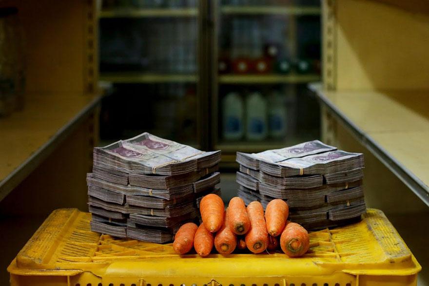 1 кг. моркови стоит около 3 млн. боливаров≈ 0,46 долларов